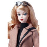 Коллекционная кукла Барби Силкстоун / Classic Camel Coat Barbie Doll